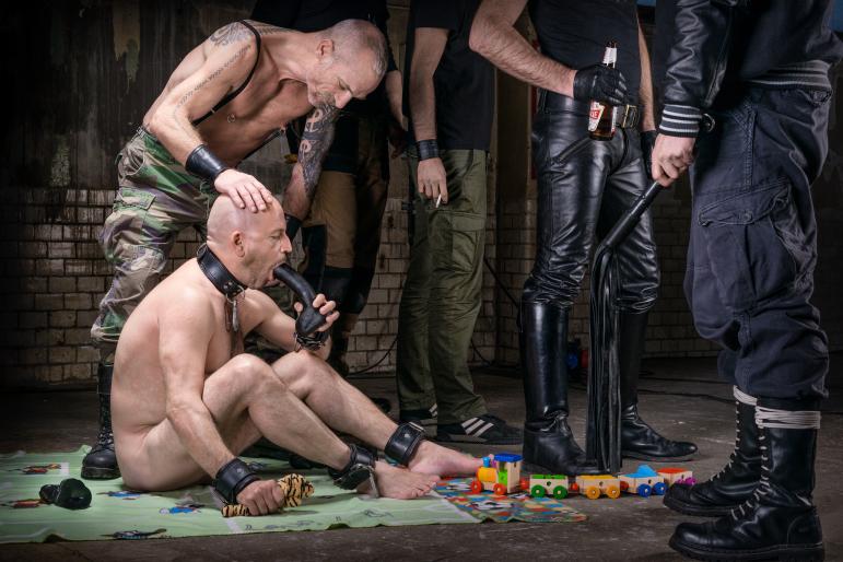 play boys-5